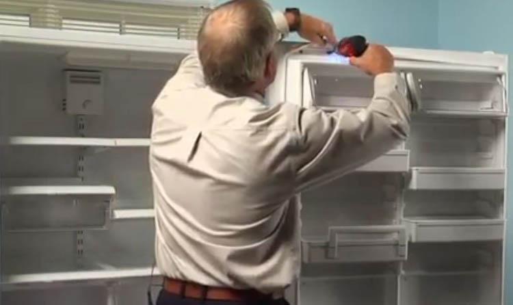 باز کردن لاستیک قدیمی درب یخچال